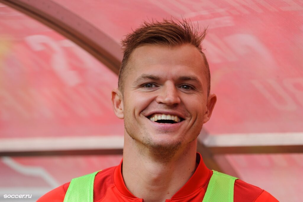 Тарасов подписал контракт с клубом ФНЛ и сможет сыграть уже в ближайшем матче Тарасов подписал контракт с клубом ФНЛ и сможет сыграть уже в ближайшем матче